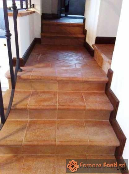 Pavimentazione e scala interna - Mattonelle per scale ...
