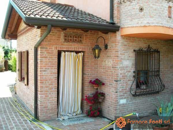 Muratura esterna villa frassinelle for Case di mattoni facciate