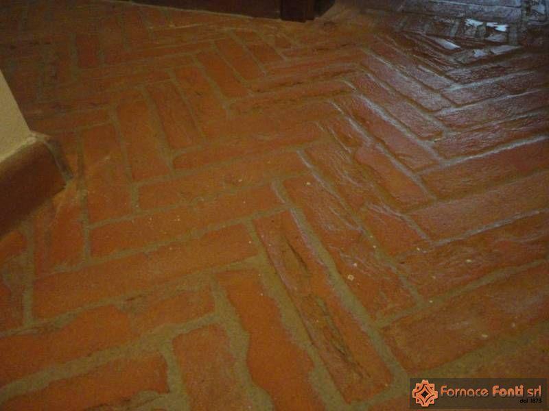 Pavimenti In Cotto A Spina Di Pesce : Pavimento rustico in cotto