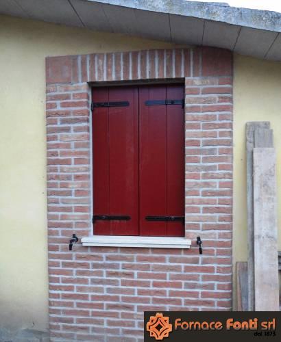 Cornici finestre in mattoni idee immagine di decorazione - Cornici finestre in mattoni ...
