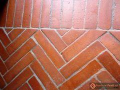 pavimento in cotto rosso e giallo49
