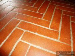 pavimento in cotto rosso e giallo51