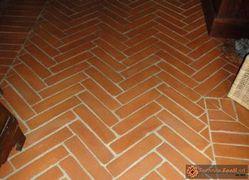 pavimento in cotto rosso e giallo53