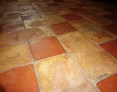 pavimento in cotto rosso e giallo64